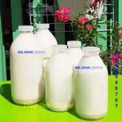 chai thủy tinh hình tròn hình trụ nắp nhựa 50ml 100ml 300ml 500ml đựng sữa, giá rẻ cao cấp